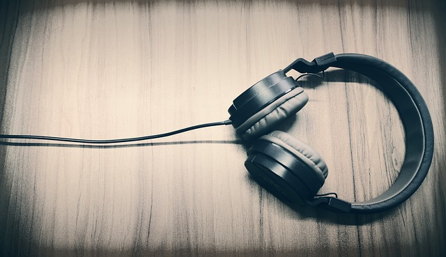 Music, Headphone, Caption, Sound, Listing Music