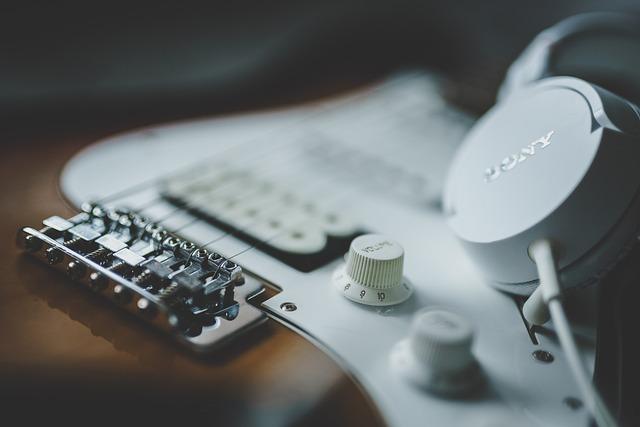 Guitar, Headphones, Music, Equipment, Musician, Sound