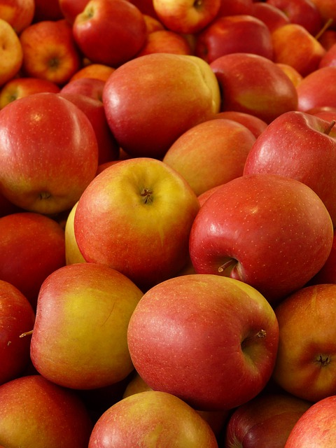 Apple, Fruit, Vitamins, Frisch, Healthy, Ripe, Red