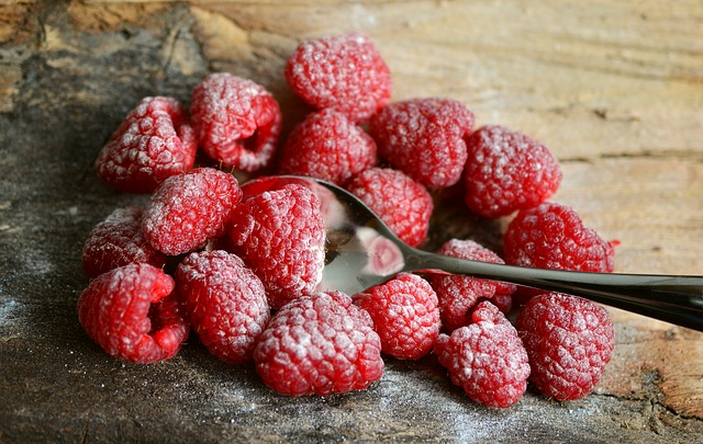 Raspberries, Berries, Dessert, Fruit, Food, Healthy