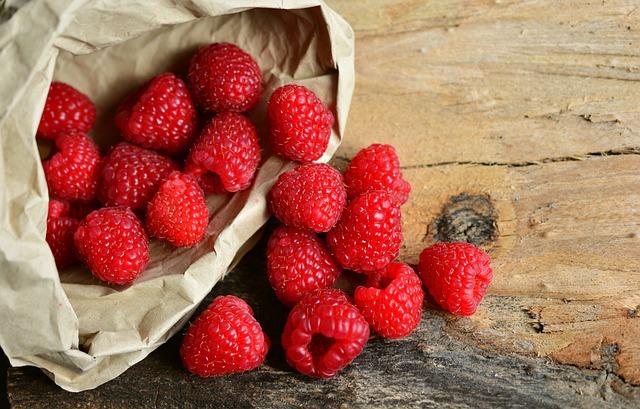 Raspberries, Berries, Dessert, Fruit, Food, Healthy