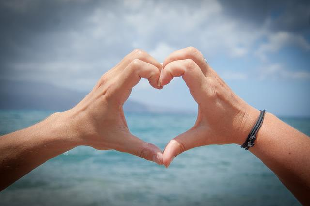 Heart, Love, Hands, Valentine's Day, Romanticism