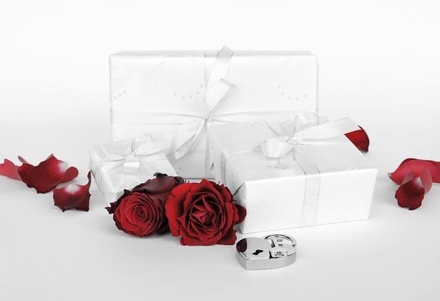 Gift, Surprise, Packed, Love, Heart, Castle, Key, Open