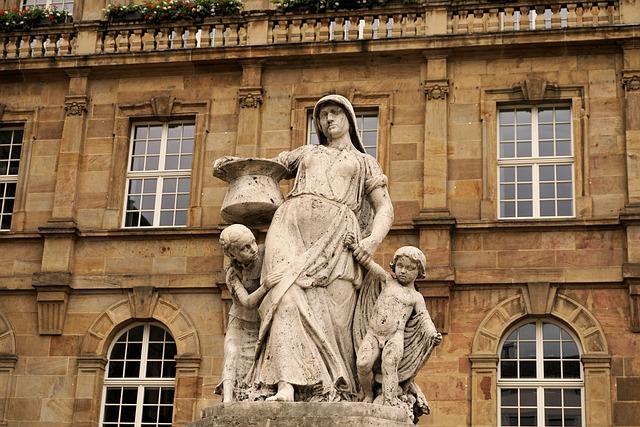 Henschel Fountain, Kassel, Town Hall, Building, Child