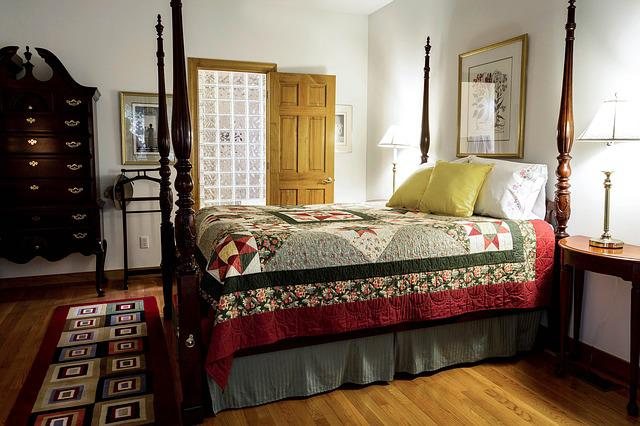 Bedroom, Quilt, Bed, Four Poster, Rice Bed, Highboy