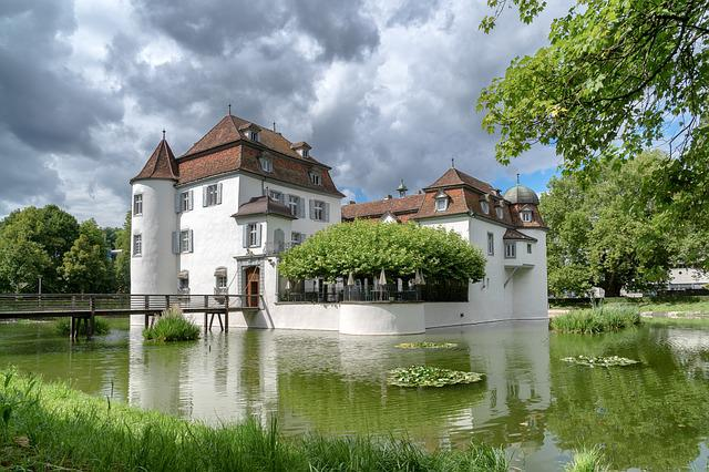 Water, Moated Castle, Historically, Dig