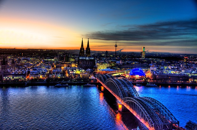 Hohenzollern Bridge, Cologne, Skyline