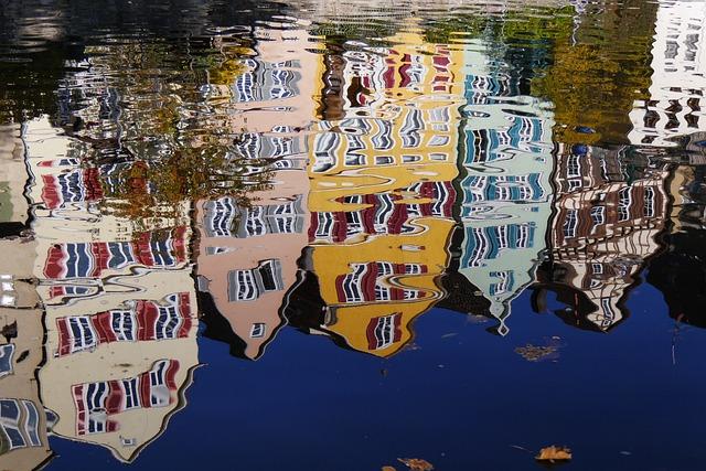 Tübingen, Mirroring, Distortion, Water, Homes