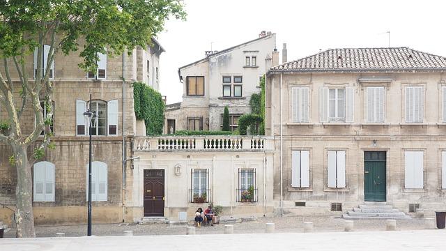 Avignon, Street Scene, Couple, Homes, Building, Road