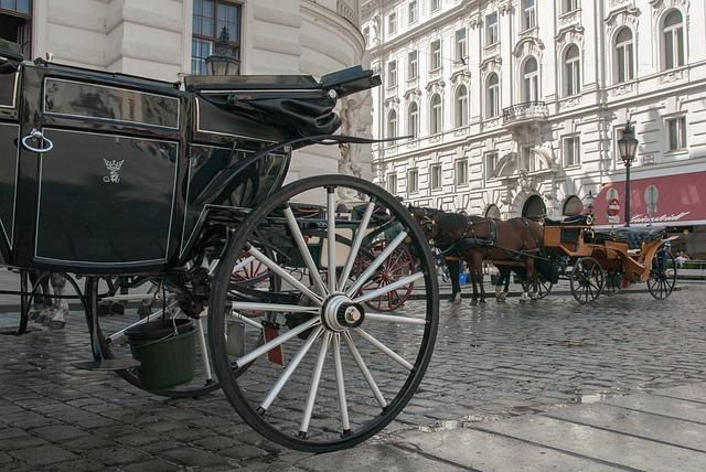 Carriage, Horses, Wheel Koca, Tiles, Wet Pavement, City