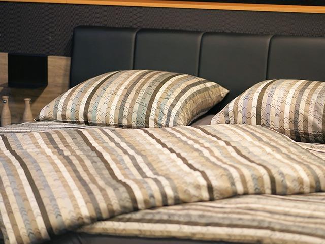 Hotel, Pension, Bedroom, Bed, Bed Linen, Furniture