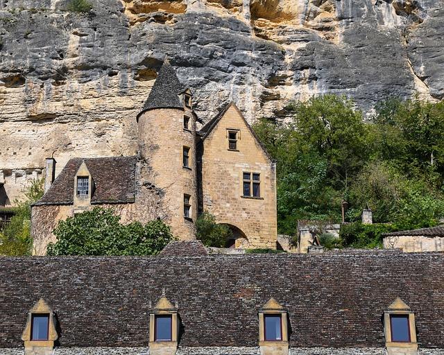 House, Cliff, Village, Dordogne, Castling Gageac