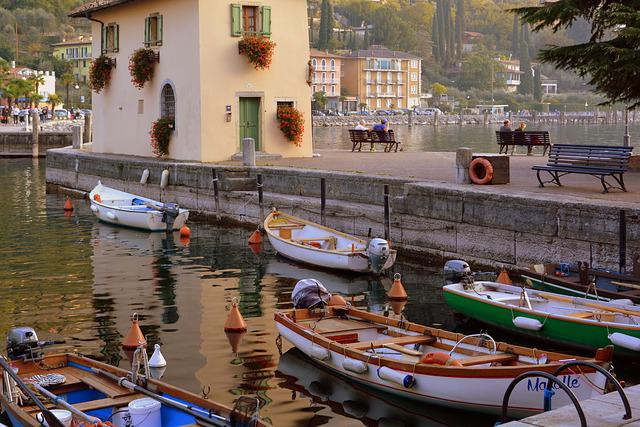 Porto, Boats, Colorful, House, Bench, Flowers