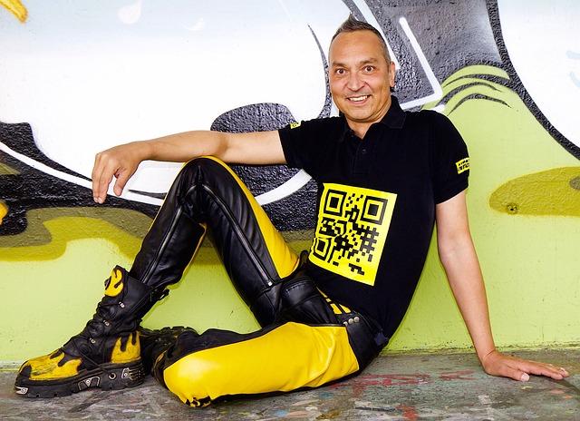 Grafitti, Human, Man, Leather Pants, Signet, Qr Code