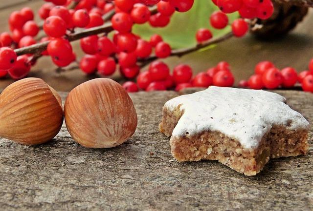 Zimtstern, Hazelnuts, Winter Berry, Ilex