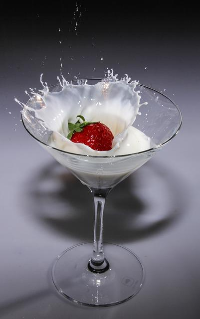 Cocktail Glass, Glass, Strawberry, Cream, Immersion
