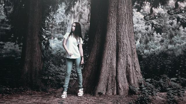 Girl Near The Tree, White Shirt, Jeans, Body, In Shirt