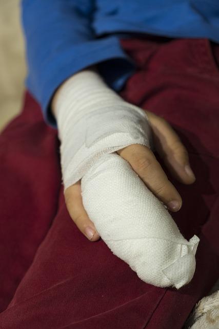 Child, Boy, Injury, Injured, Association, Bandages