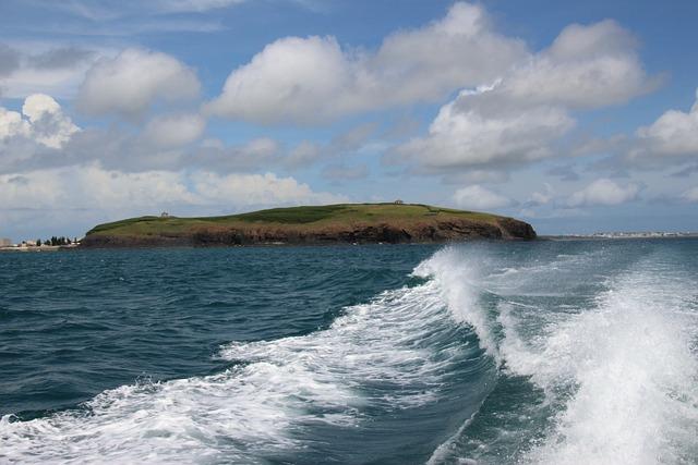 The Waves, Island, Uninhabited Island
