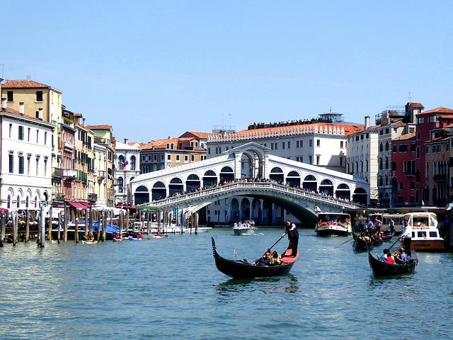 Rialto Bridge, Canal Grande, Gondola, Italy