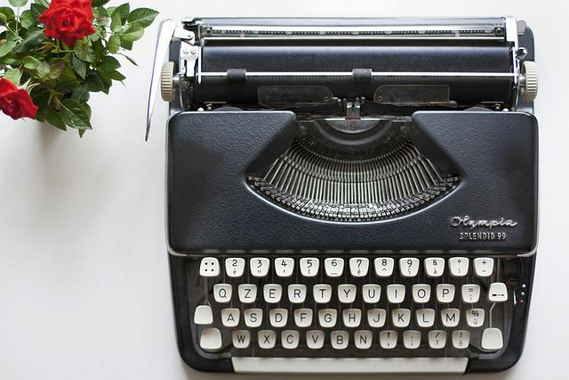 Typewriter, Rose, Journalist