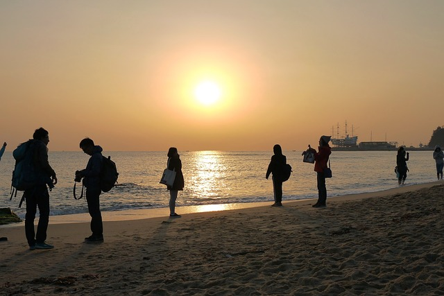 Sunrise, Jung Dong-jin, Sea, Man, Friends, Photo