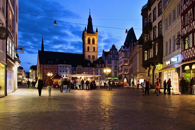 Trier, Abendstimmung, Kirchplatz, Night