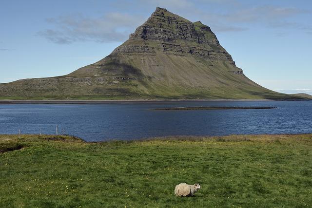 Kirkjufell, Kirchberg, Mountain, Landscape, Nature
