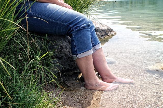 Kneippen, Treading Water, Person, Human, Kneipp, Feet