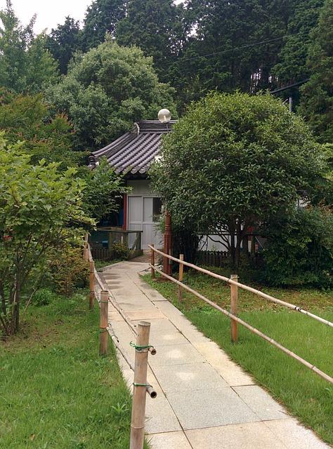 Tongyeong, Korean Temple, Garden