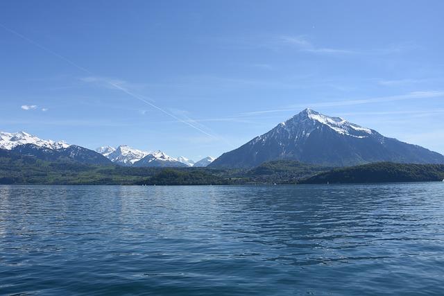 Sneezing, Lake Thun, Bernese Oberland, Thun Hausberg
