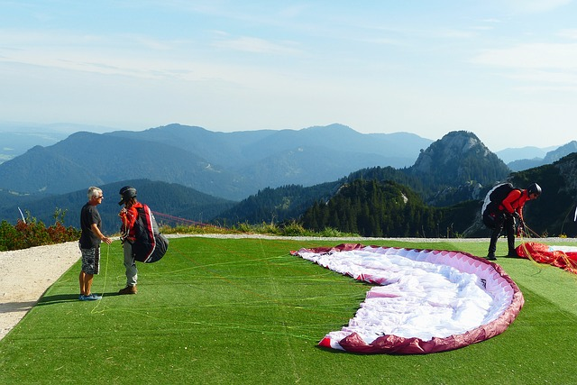 Paraglider, Launch Preparation, Paragliding, Flying