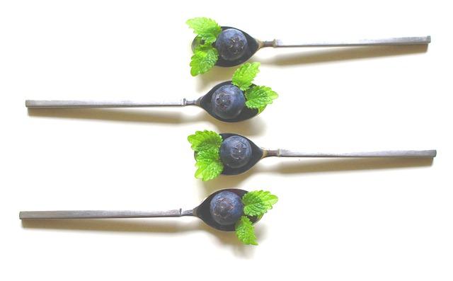 Spoon, Blueberries, Teaspoon, Balm, Leaf, Green