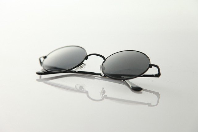 Glasses, Glass, Circle, Light Transmittance, Reflection