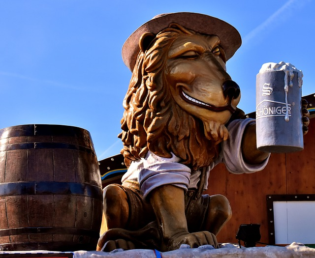 Lion, Figure, Drinking Beer, Sculpture