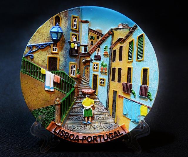 Souvenir, Portugal, Lisbon, Wall Plate, Relief, Memory
