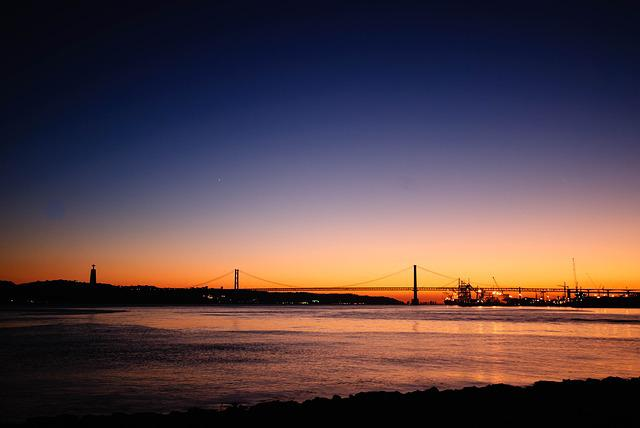 Lisbon, Ponte 25 De Abril, Bridge, Port, Abendstimmung