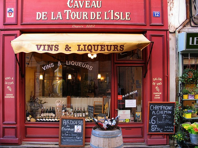 L'isle-sur-la-sorgue, Wine And Liqueur, Music, Provence