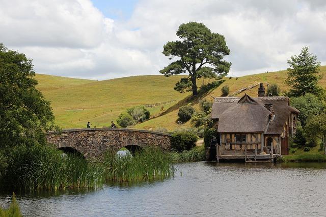 Hobbiton, New Zealand, Lord Of The Rings, Stone Bridge