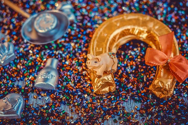 Lucky Pig, Horseshoe, Wax Casting, New Year's Eve