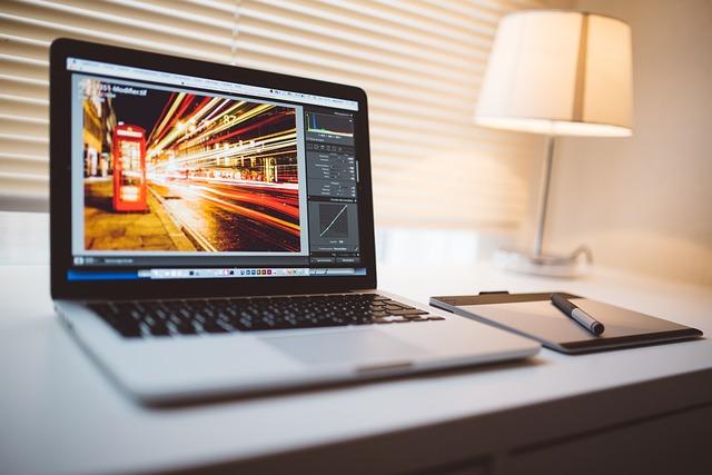 Computer, Macbook, Tablet, Editing, Picture, Lightroom