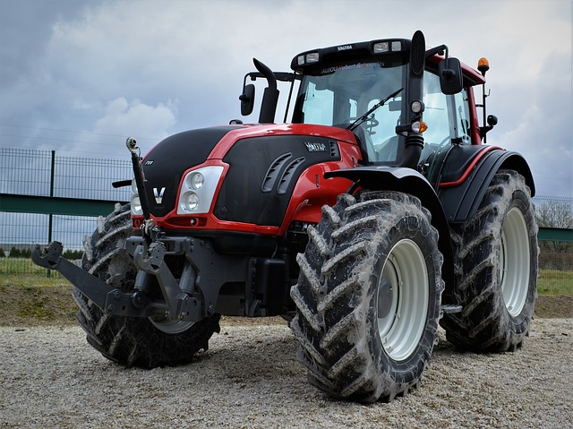 Valtra, Earth, Machine, Tractor, Wheel, Vehicle
