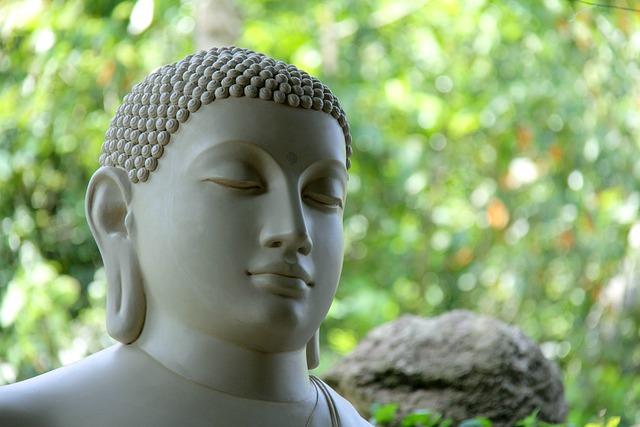 Buddha, Sri Lanka, Mahamevnawa
