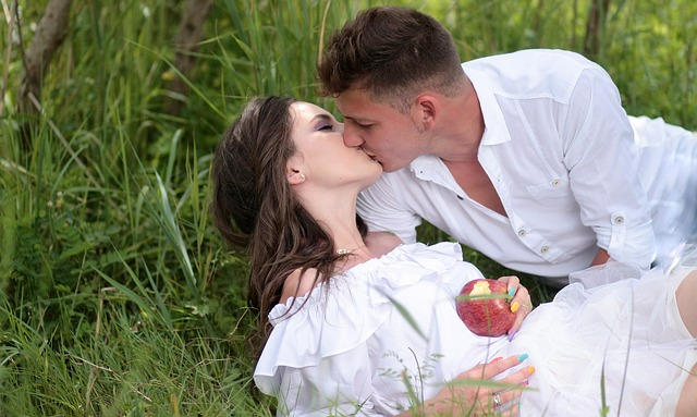 Snow White, Print, Kiss, March, Love, Story, Couple