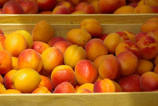 Fruit, Market, Apricots