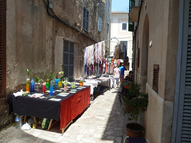 Alley, Market, Sineu