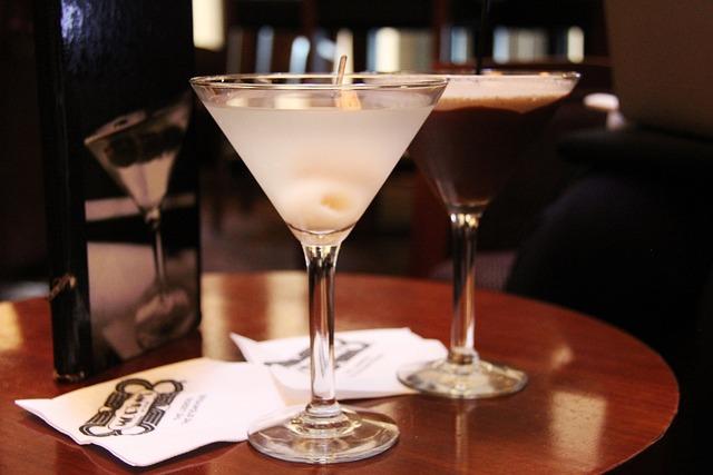 Martini, Bar, Lychee, Chocolate, Alcohol, Liquor