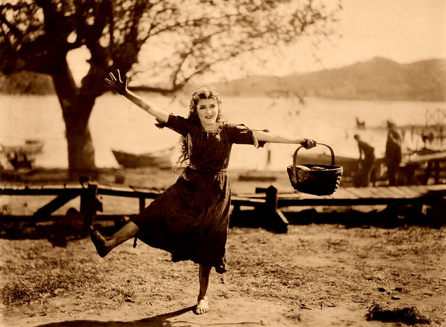 Mary Pickford, Dancing, Happy, Park, Silent Film