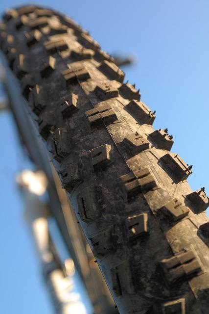 Bicycle Tires, Mature, Tunnel, Bike, Mountain Bike