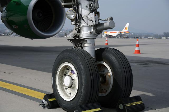 Chassis, Nosewheel, Wheels, Roll, Mature, Taxes